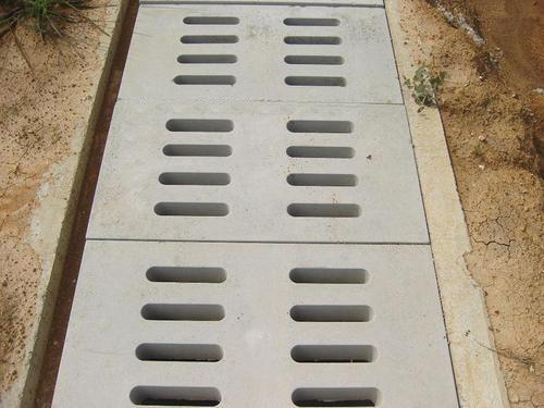 排水溝蓋板(ban)施(shi)工案例